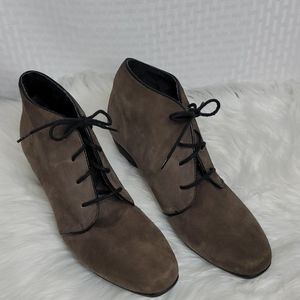 Munro suede wedge lace up shoes size 7 Narrow